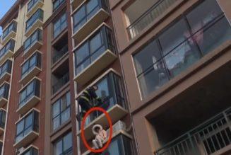 [VIDÉO] Chine – Sauvetage d'une femme – 3éme étage